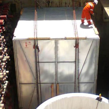 loading-cargo